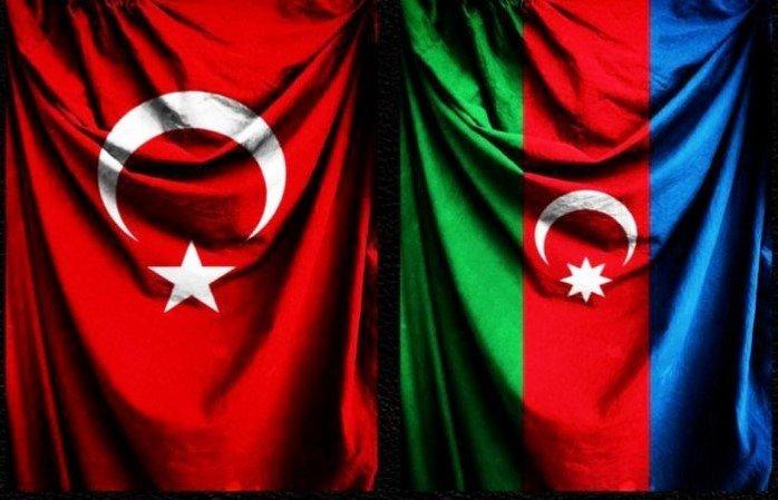 Engeller ve Katkılar Bağlamında Türkiye'deki Azerbaycanlıların Yerli Topluma Uyumu