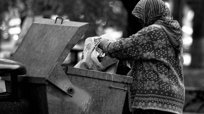 Türkiye'de Yoksullukla Mücadele Politikaları Ve Yoksulluğun Yerel Yönetimlere Bırakılması