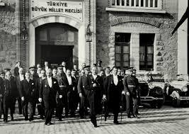 Türkiye Büyük Millet Meclisinin Açılışının 100. Yılında Atatürk'ün Halkçılık ve Demokrasi Anlayışı
