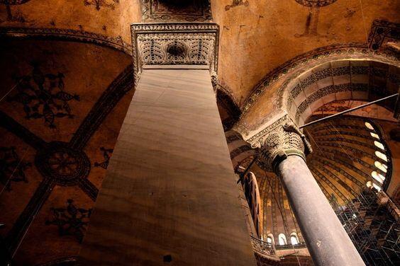 Bizans ve Batı Anadolu Beylikleri Dini Mekânlarının Ortak Mimari Özellikleri